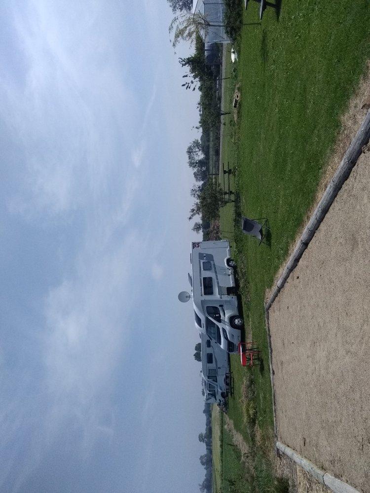 Aire camping-car à Courtils (50220) - Photo 1